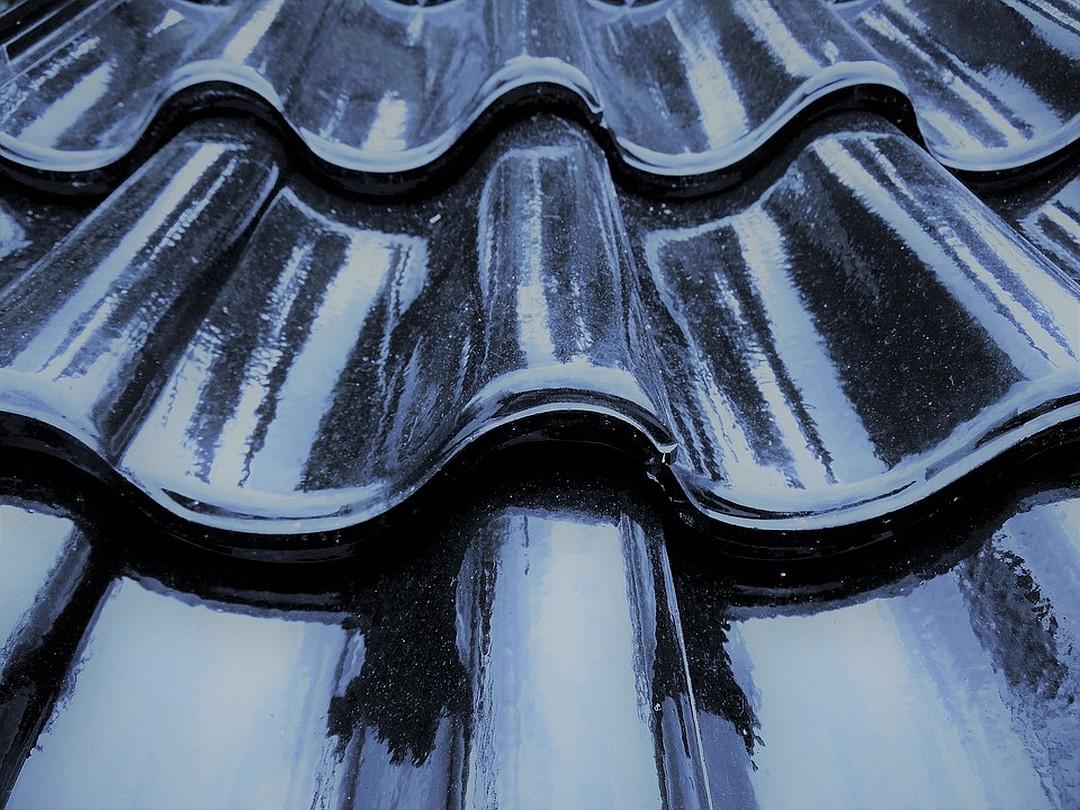Comment étanchéifier une toiture plate, en pente ou un toit en terrasse ?
