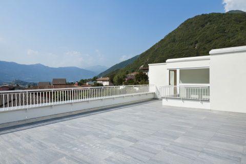dalles en béton sur une toiture