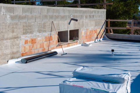 pose membrane d'étanchéité sur toit plat