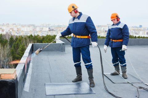 bitumage d'un toit